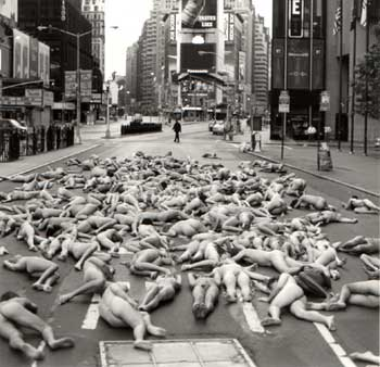 Spencer Tunick - 1997 Times Square