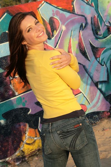 julia_allison_owns_jeans.jpg